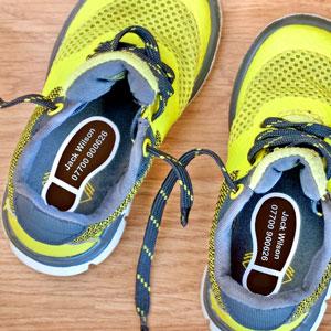 Foot steps shoe labels